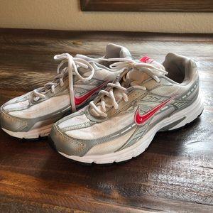 89e0610b3d638 Women s Nike Initiator Shoes on Poshmark